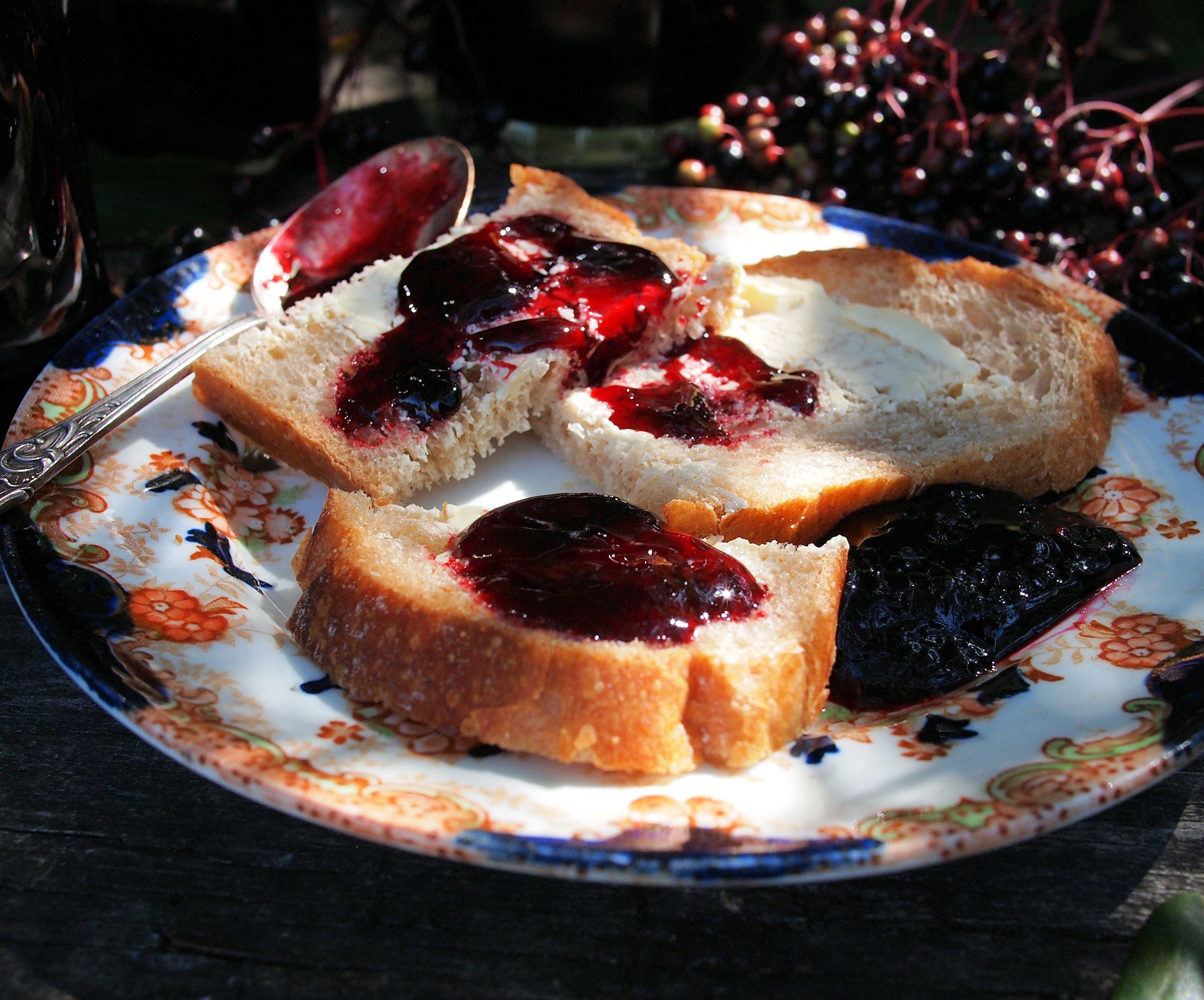 elderberry-jelly.jpg