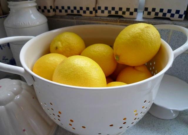 Lemons in a Colander