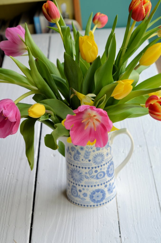 Tulips to decorate the home at Easter